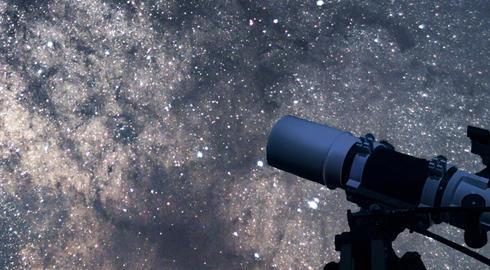 كل ما تحتاج معرفته عن دراسة علم الفلك والفضاء في الخارج